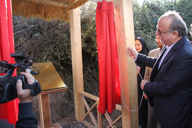 بهره برداری از طرح روستای بدون بیکار در کشور در اسطلخ جان رودبار