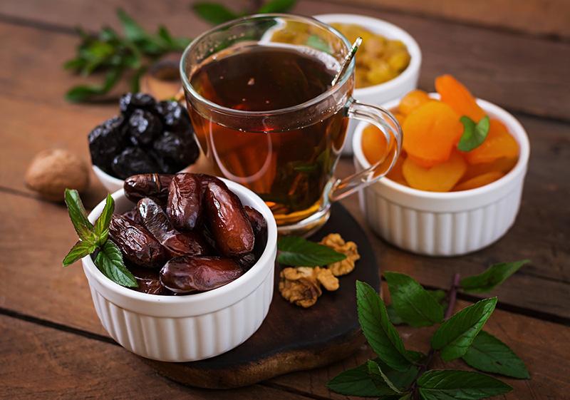 بهترین ماده غذایی برای افطار چیست؟
