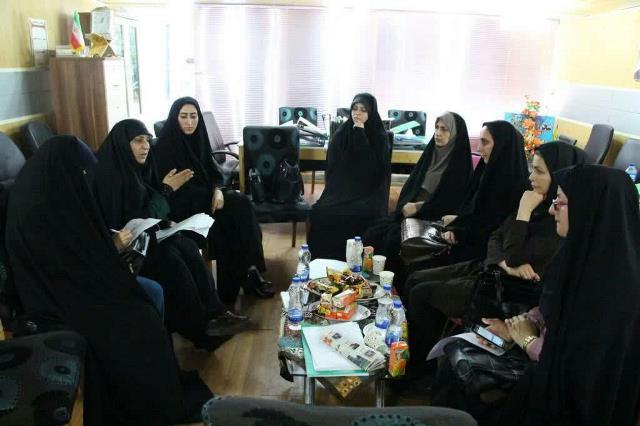 تشکیل هیئت اندیشه ورز در راستای بهبود وضعیت عفاف و حجاب با حضور نمایندگان بانوان عفاف و حجاب شهرداری رشت