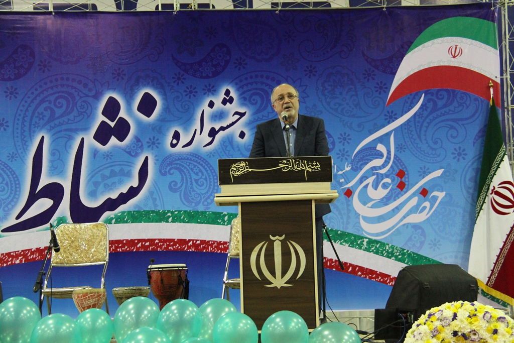 همگان در کمال امنیت و آرامش و با تفکر های مختلف در این استان سخنرانی می کنند