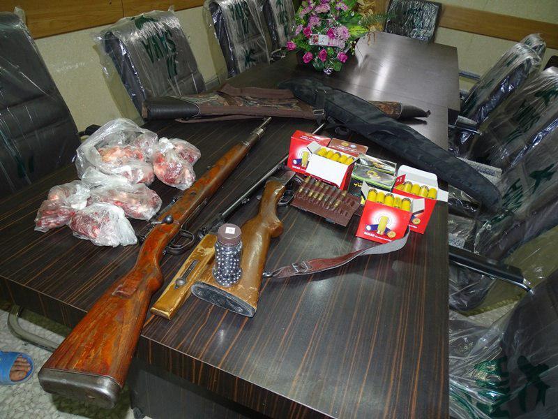شکارچی کل و بز در رودبار دستگیر شد
